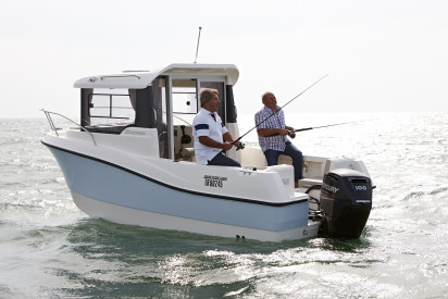 QUICKSILVER 555 PILOTHOUSE + MERCURY F100 L EFI CT