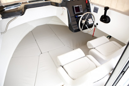 QUICKSILVER CAPTUR 605 PILOTHOUSE + MERCURY F115